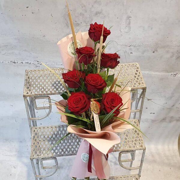 EKO Bukiet róż w rożku (7-15 róż) R 8